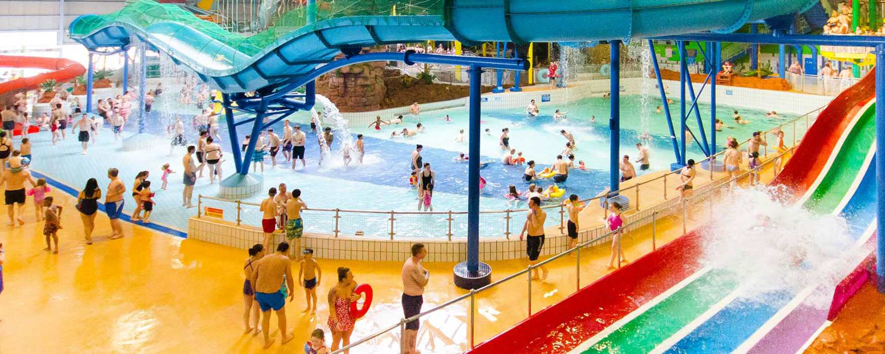 Best uk theme parks enjoy staffordshire - Swimming pools with waterslides in london ...