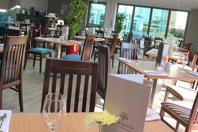 Parklands restaurant in Drayton Manor Hotel
