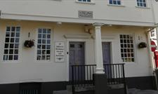 Outside the Samuel Johnson Birthplace